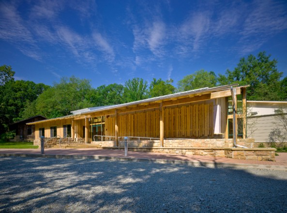 Powdermill Nature Reserve (Architecture Certificate of Merit and Green Design Citation 2008). FIRM: Pfaffmann+Associates, PC, PHOTOGRAPHY: Massery Photography, Inc.